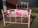 Stalen kinder bed roze op=op_