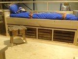 Steigerhouten 1-persoons bed met opberg kisten_