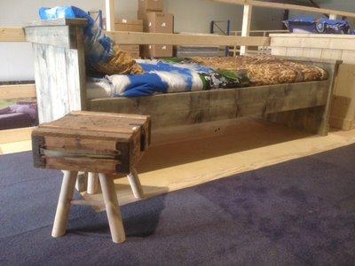 Steigerhouten 1-persoons bed compleet